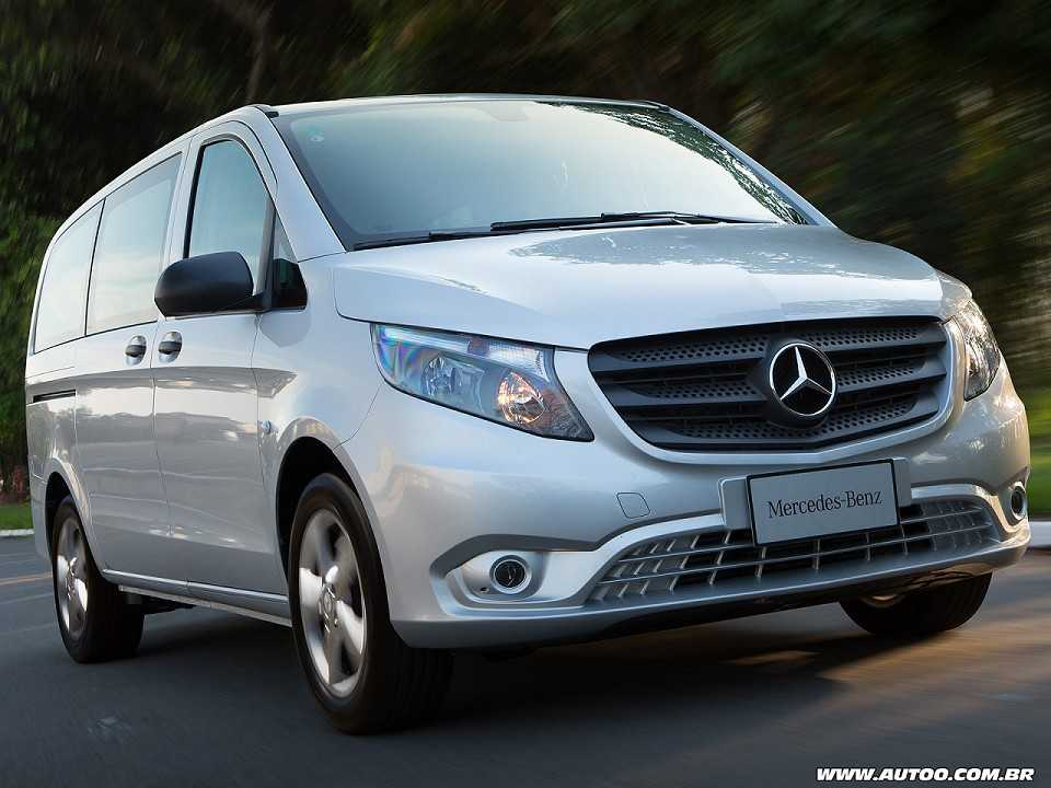 teste mercedes benz vito tourer luxo autoo. Black Bedroom Furniture Sets. Home Design Ideas