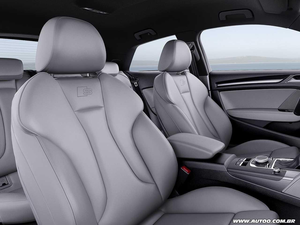 Detalhe dos bancos dianteiros do Audi A3