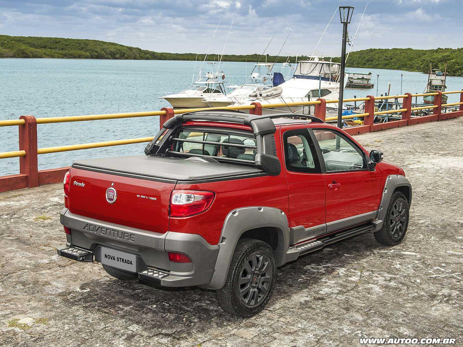 FiatStrada 2018 - ângulo traseiro