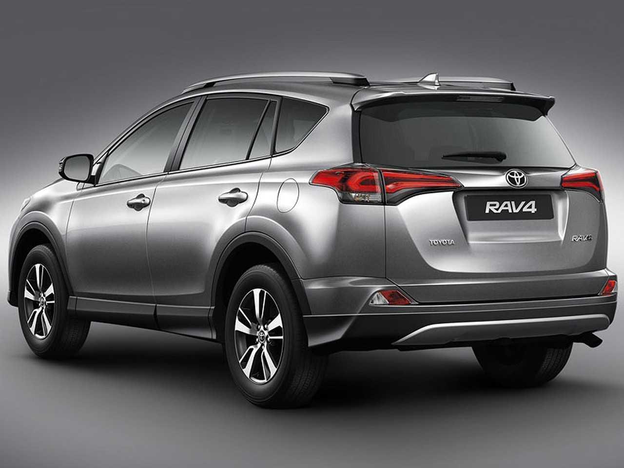 ToyotaRAV4 2018 - ângulo traseiro