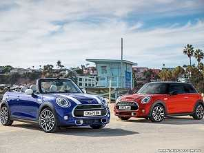 MINI hatch e Cabrio estreiam facelift nos EUA
