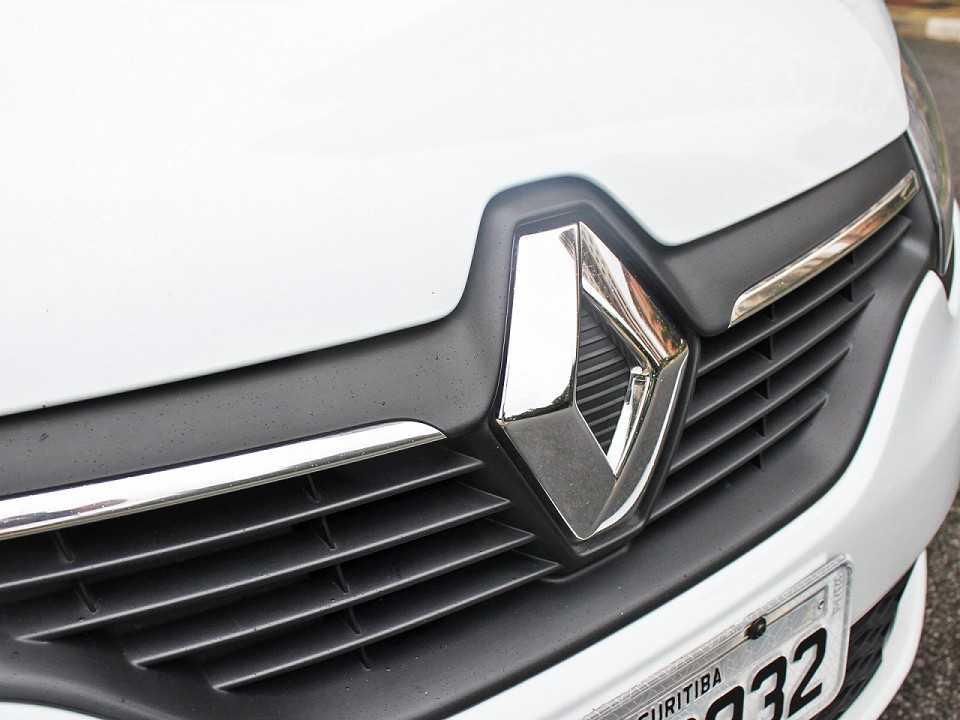 RenaultSandero 2018 - grade frontal
