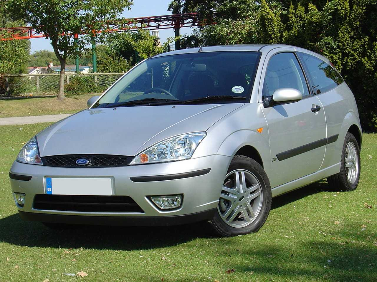 Ford Focus 2005 - ângulo frontal