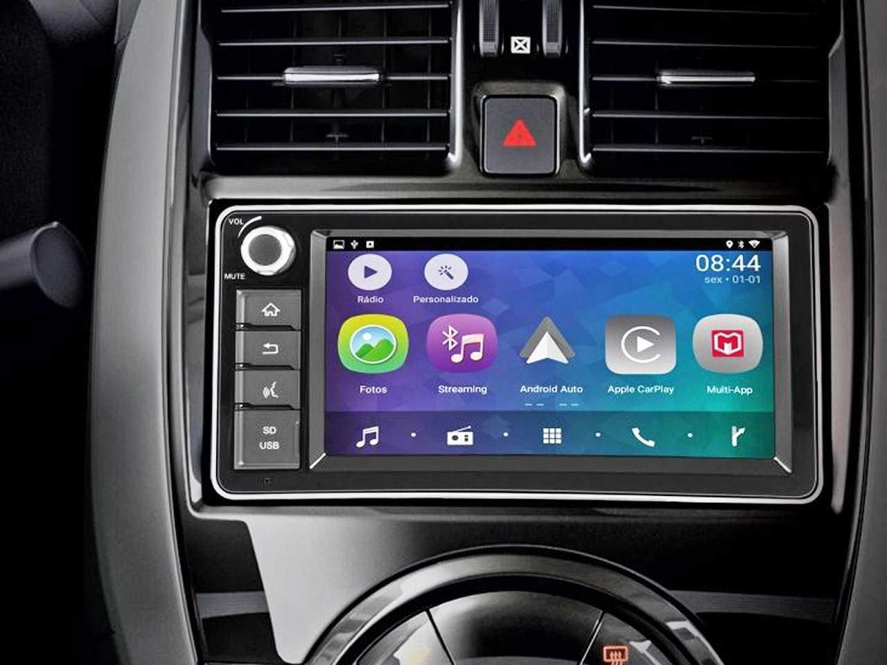 Central multimídia da Nissan: recurso está cada vez mais popular entre os carros de entrada