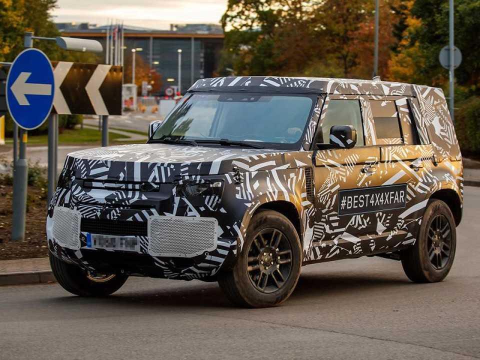 Nova geração do Land Rover Defender flagrada em testes pela Auto Express
