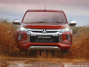 Mitsubishi não descarta uma futura L200 híbrida