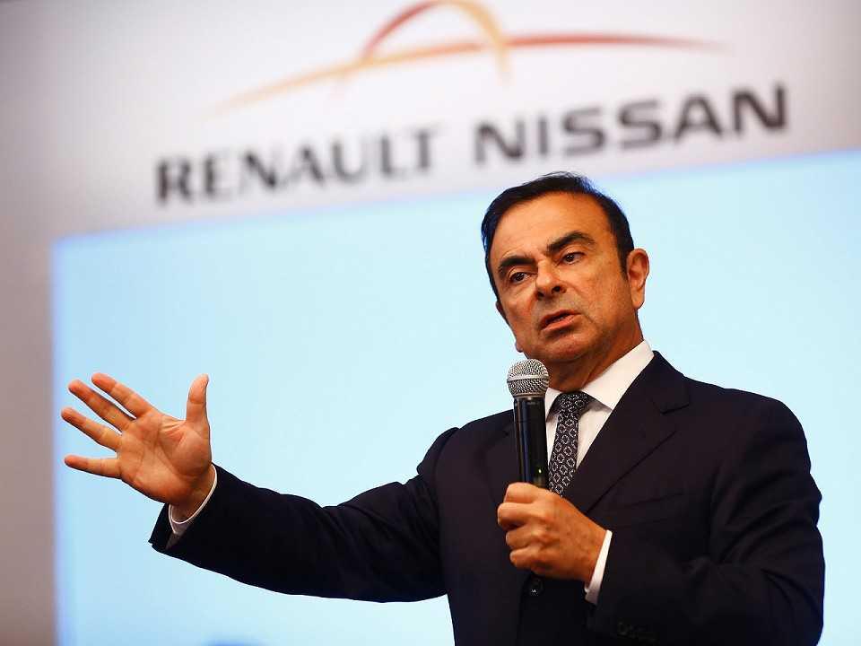 Nascido no Brasil, Carlos Ghosn ocupava o cargo de chairman e CEO da aliança Renault-Nissan-Mitsubishi