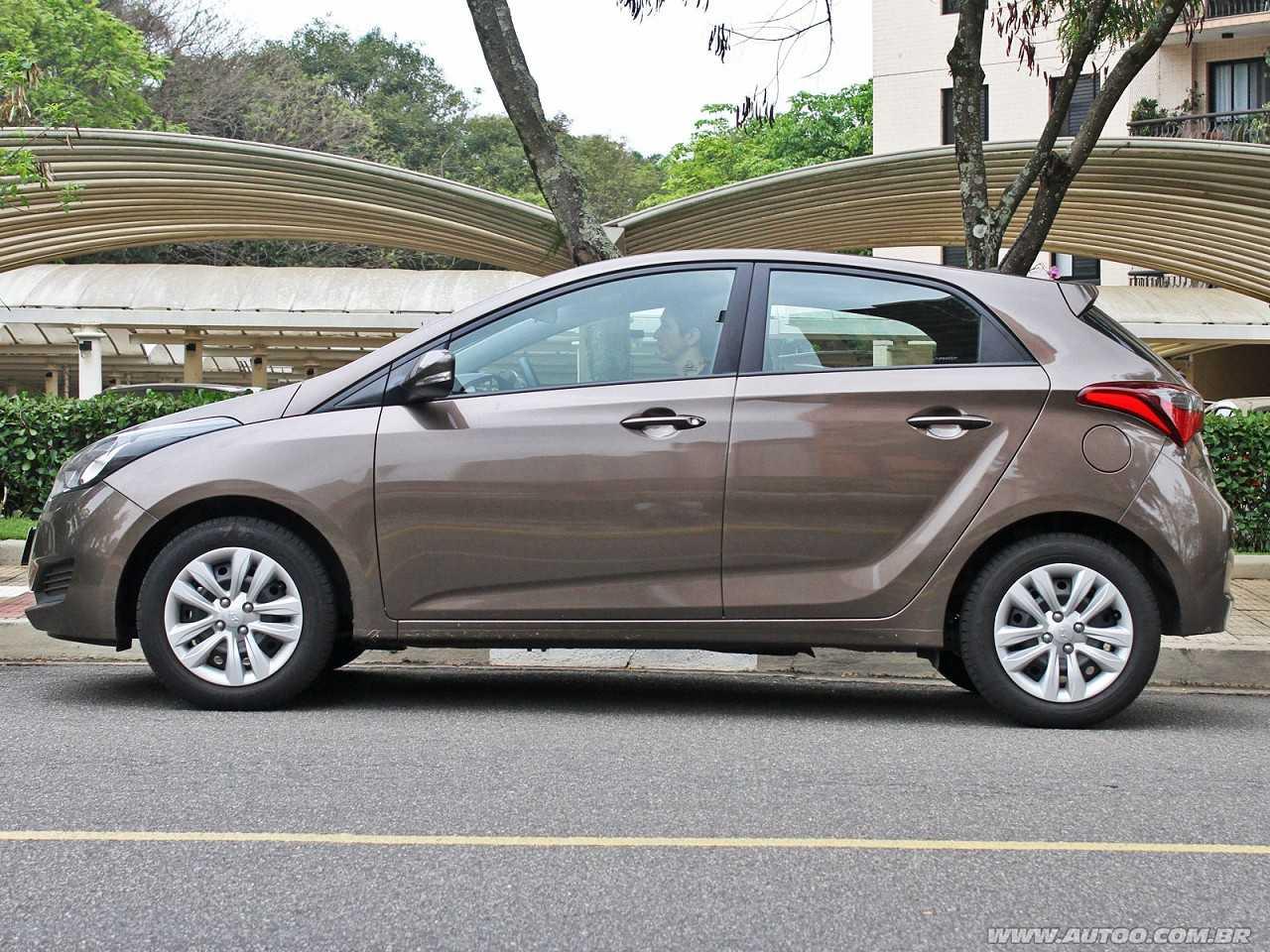 HyundaiHB20 2018 - lateral
