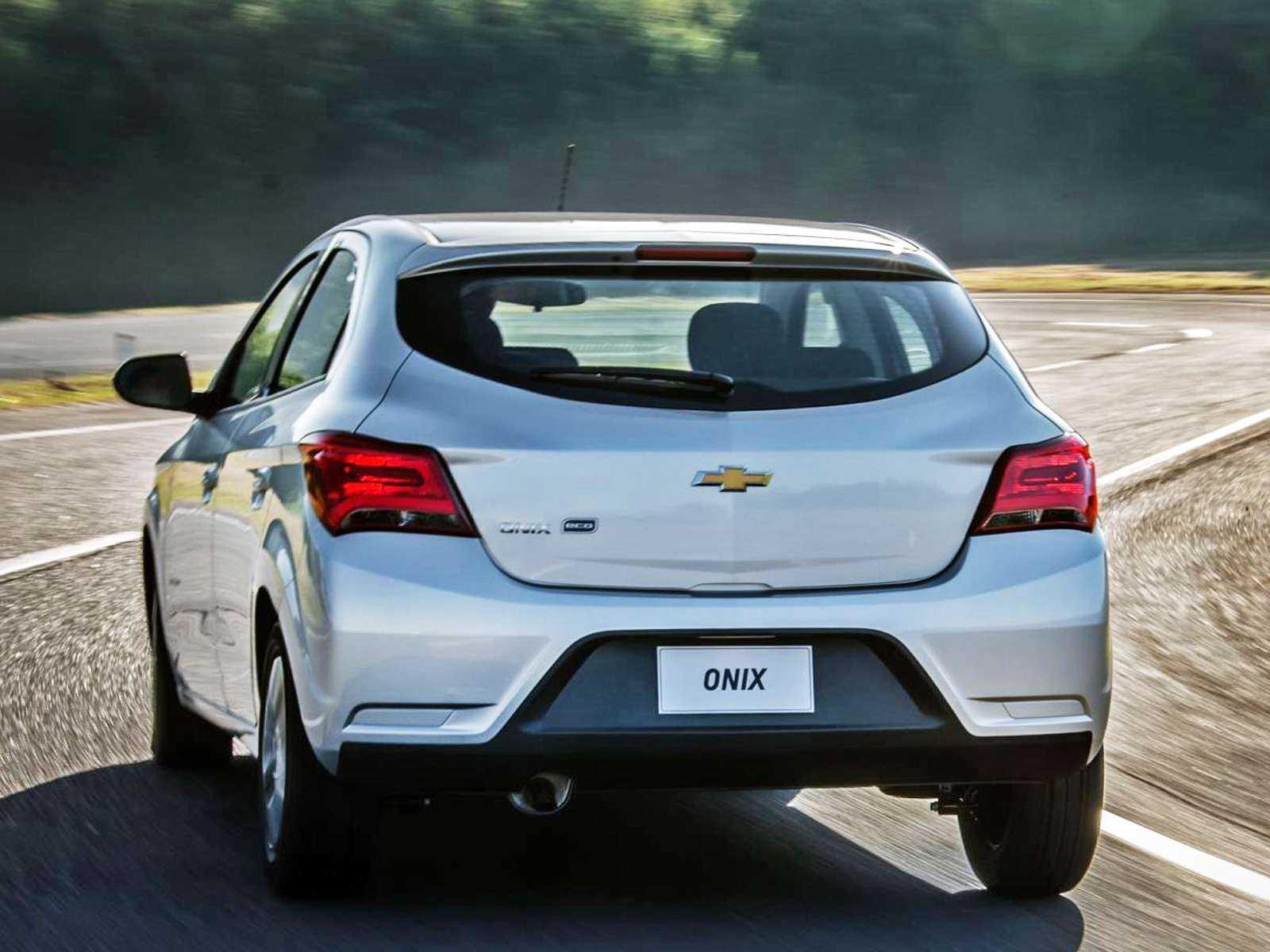 ChevroletOnix 2018 - ângulo traseiro
