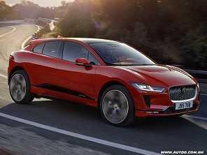 Com o I-Pace, Jaguar entra na disputa com a Tesla