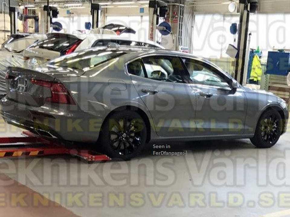 Flagra da nova geração do Volvo S60