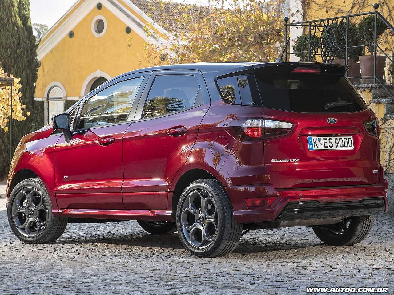 O Ford EcoSport vendido na Índia não conta com o estepe na tampa do porta-malas ao contrário do brasileiro