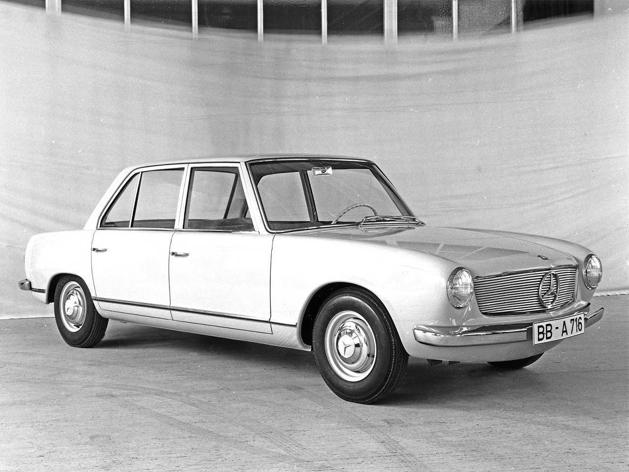 Acima o Mercedes-Benz W 122, modelo de médio porte com projeto liderado por Ludwig Kraus