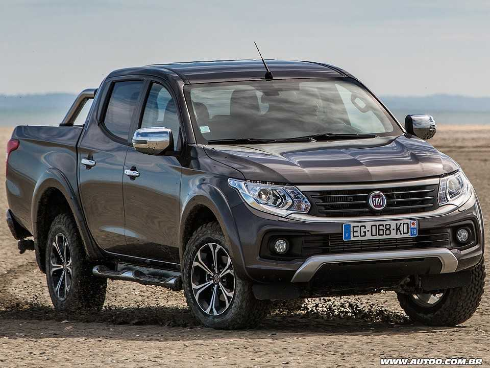 Acima a Fullback, picape média que a Fiat comercializa em mercados como o europeu e é baseada na Mitsubishi L200 Triton
