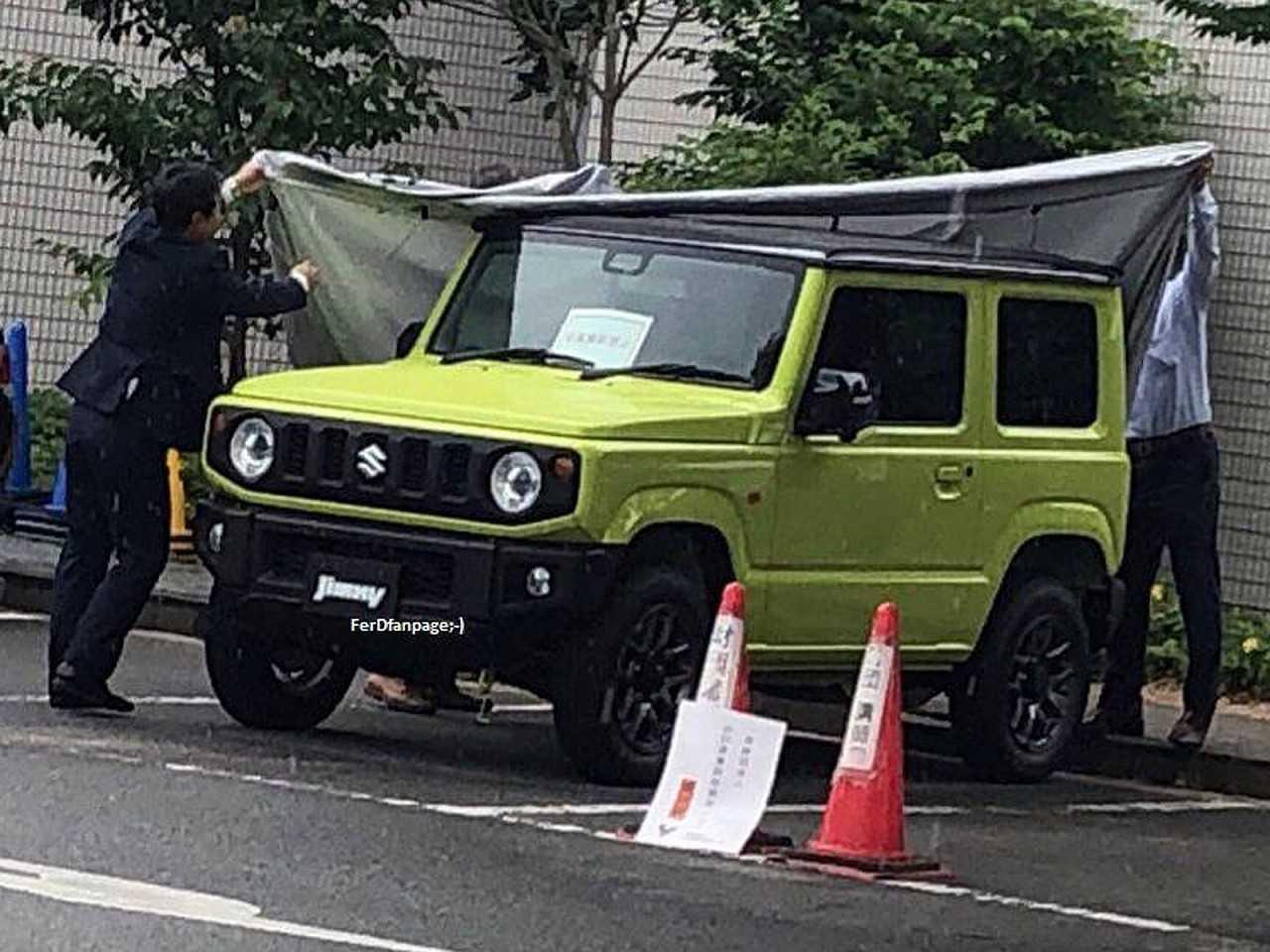 Flagra da nova geração do Suzuki Jimny
