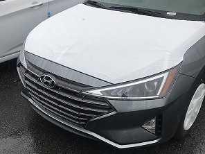 Flagra: novo Hyundai Elantra começa a circular na internet
