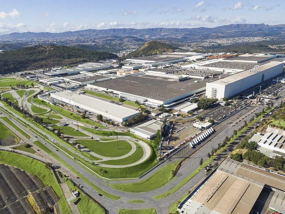Vista aérea da fábrica da Fiat em Betim (MG)