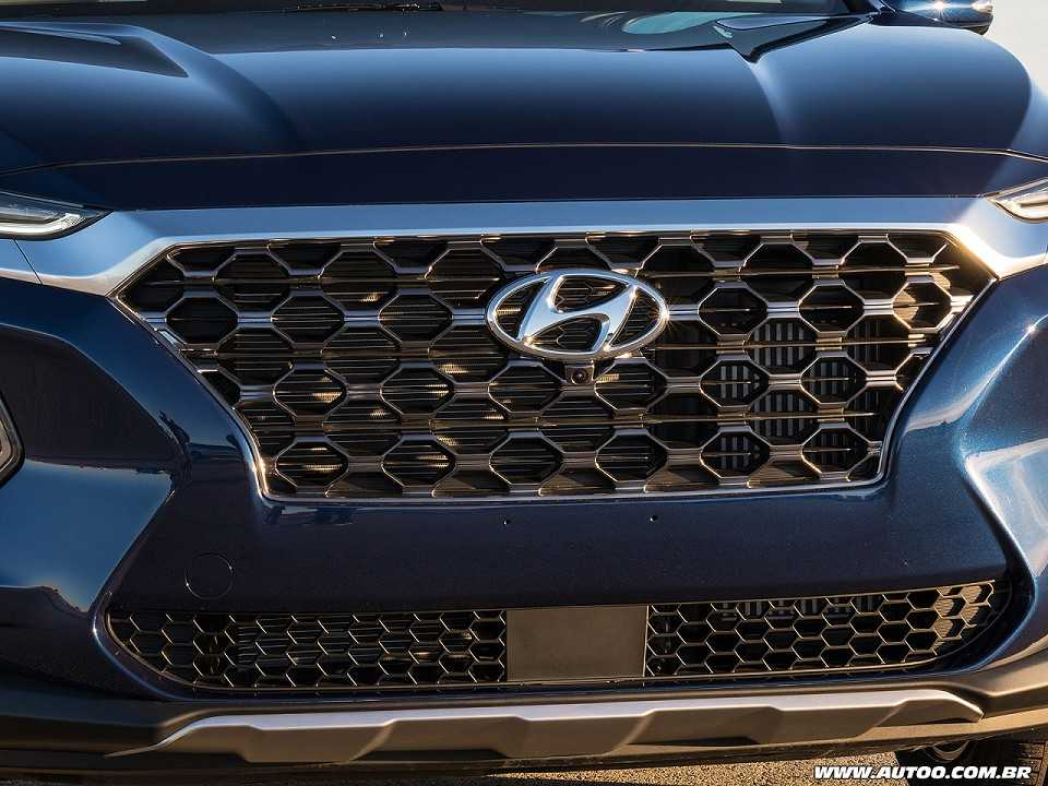 Detalhe da grade frontal do novo Hyundai Santa Fe 2019 vendido nos EUA