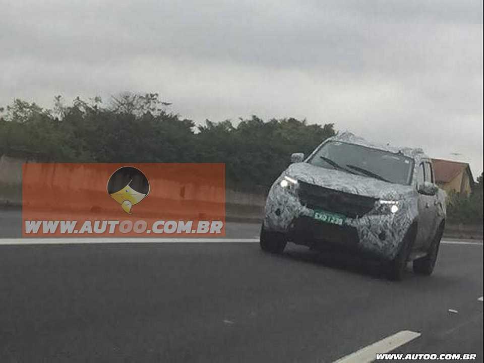 Flagra da Mercedes-Benz Classe X realizada pelo leitor do Autoo