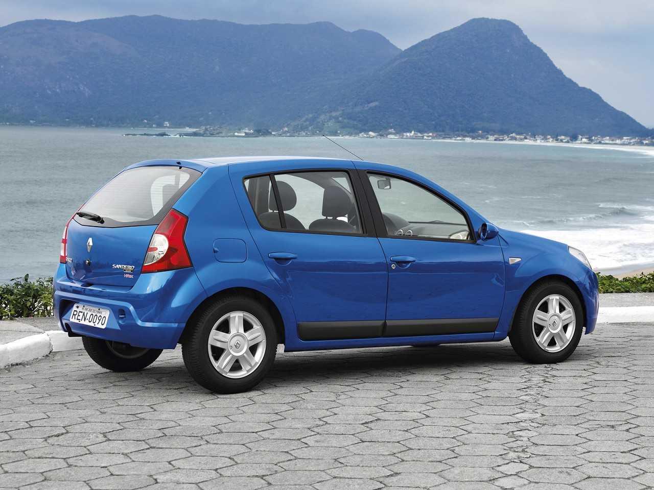 RenaultSandero 2007 - ângulo traseiro