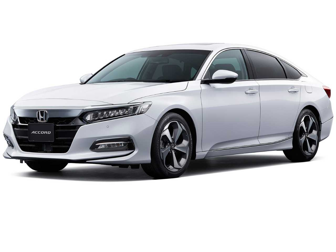 Honda Accord híbrido, que agora passa a adotar a designação e:HEV