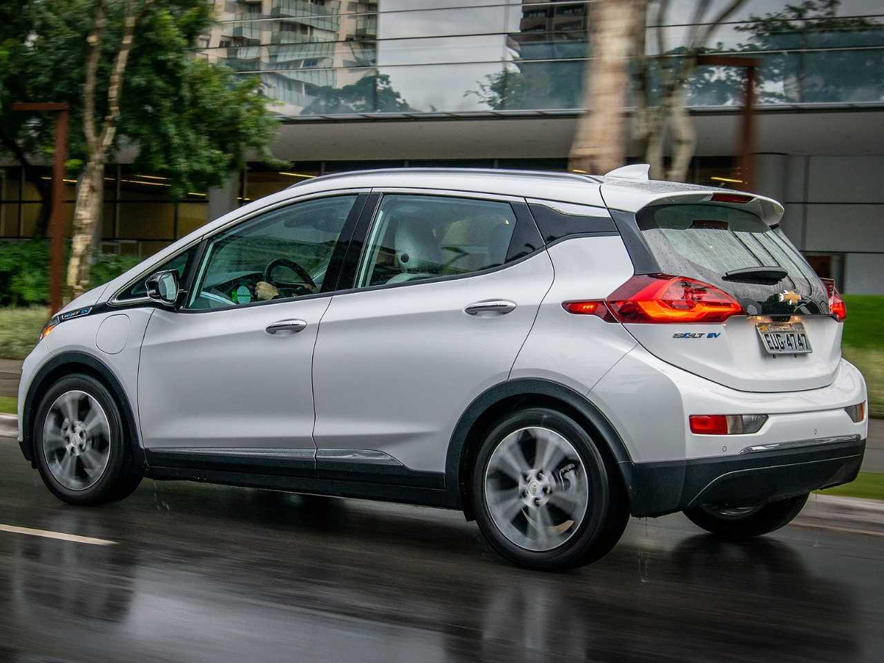 ChevroletBolt 2020 - ângulo traseiro