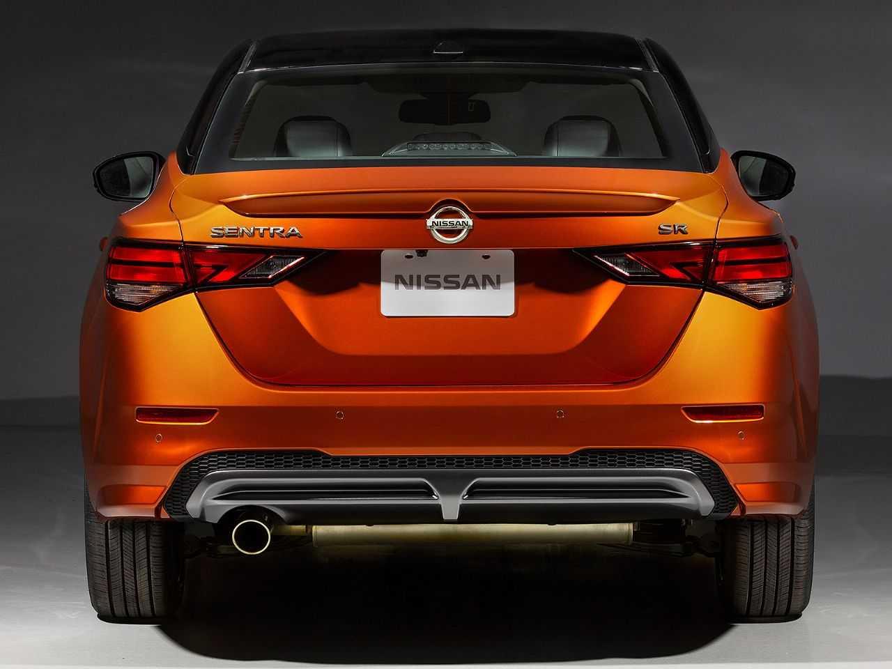NissanSentra 2020 - traseira