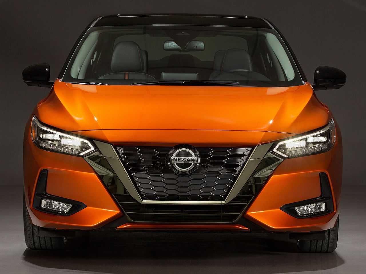 NissanSentra 2020 - frente