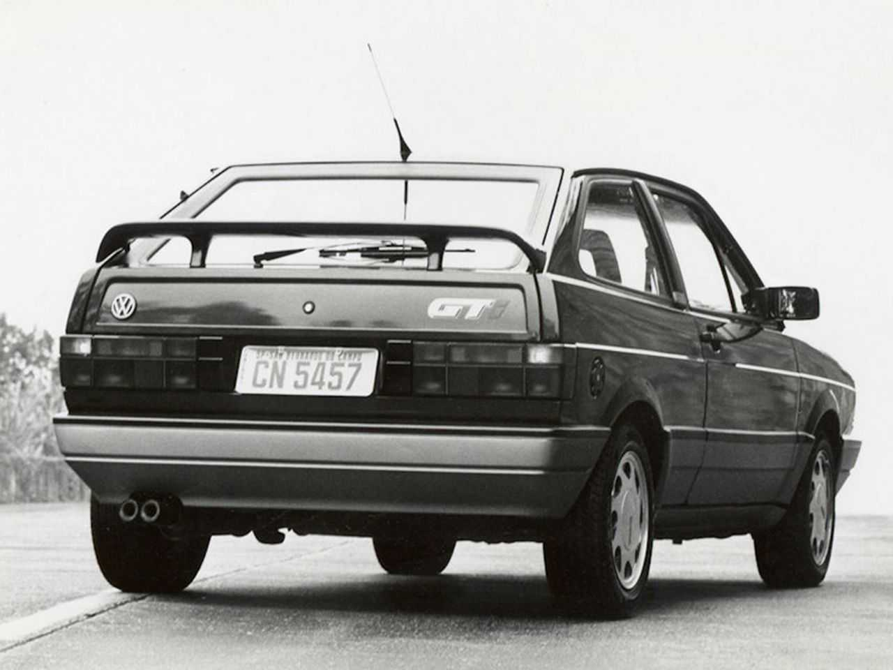 VolkswagenGol 1991 - ângulo traseiro