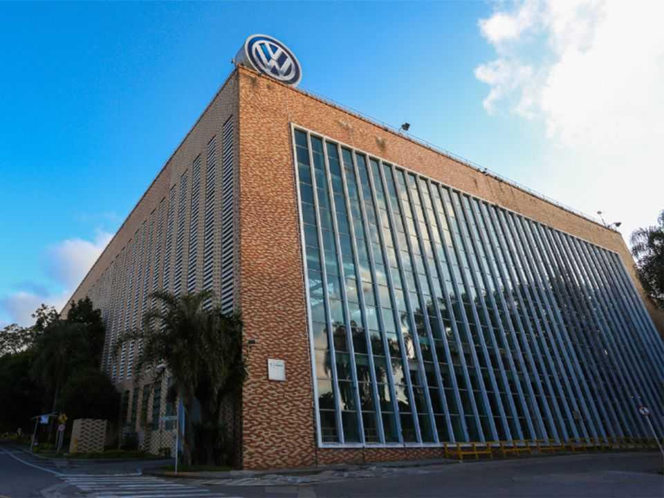 Acima a fachada da unidade Anchieta, sede da VW no Brasil que completa 60 anos