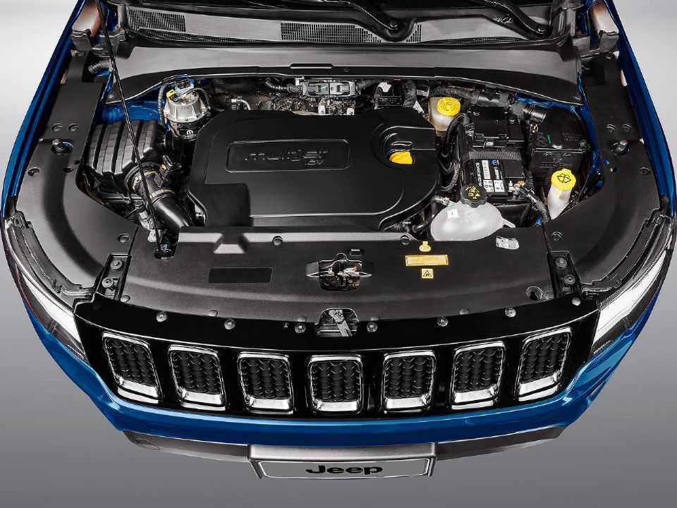 Acima detalhe do motor 2.0 16V turbodiesel oferecido na gama Jeep Compass