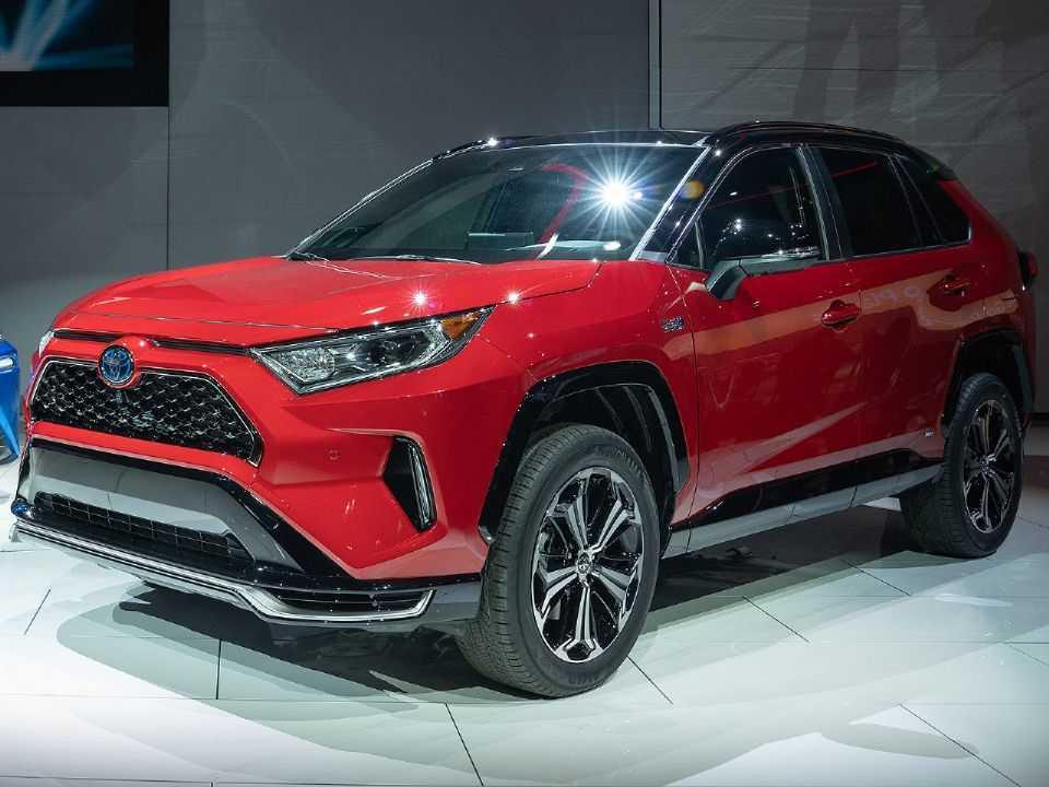 Acima o Toyota RAV4 Prime 2021 revelado no Salão de Los Angeles deste ano