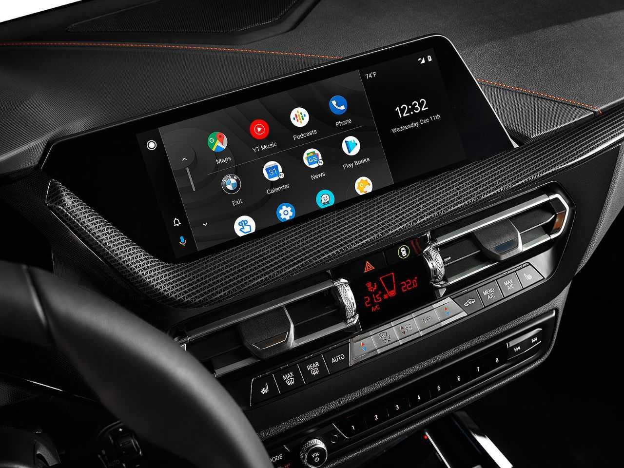 Detalhe do Android Auto operando em um modelo da BMW