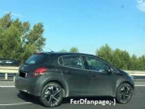 Cotado para o Brasil, novo Peugeot 1008 segue em desenvolvimento