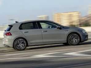 Versões esportivas do novo VW Golf poderão chegar a 300 cv