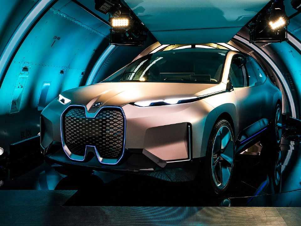 Acima o conceito BMW Vision iNEXT