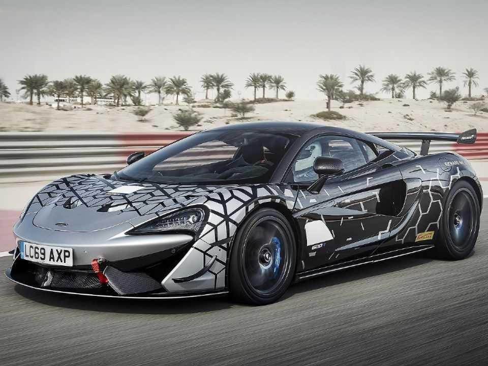 Acima o McLaren 620S preparado para competições