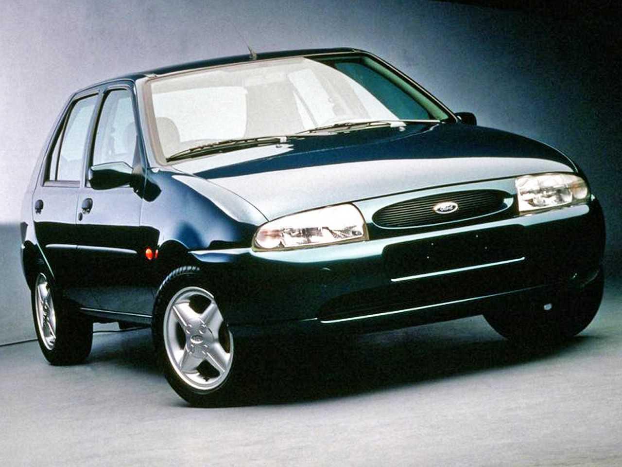 FordFiesta 2000 - ângulo frontal