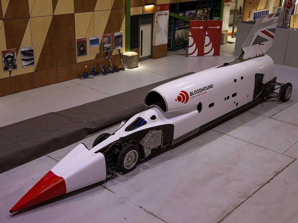 Bloodhound LSR, o carro a jato que deseja superar 1.600 km/h