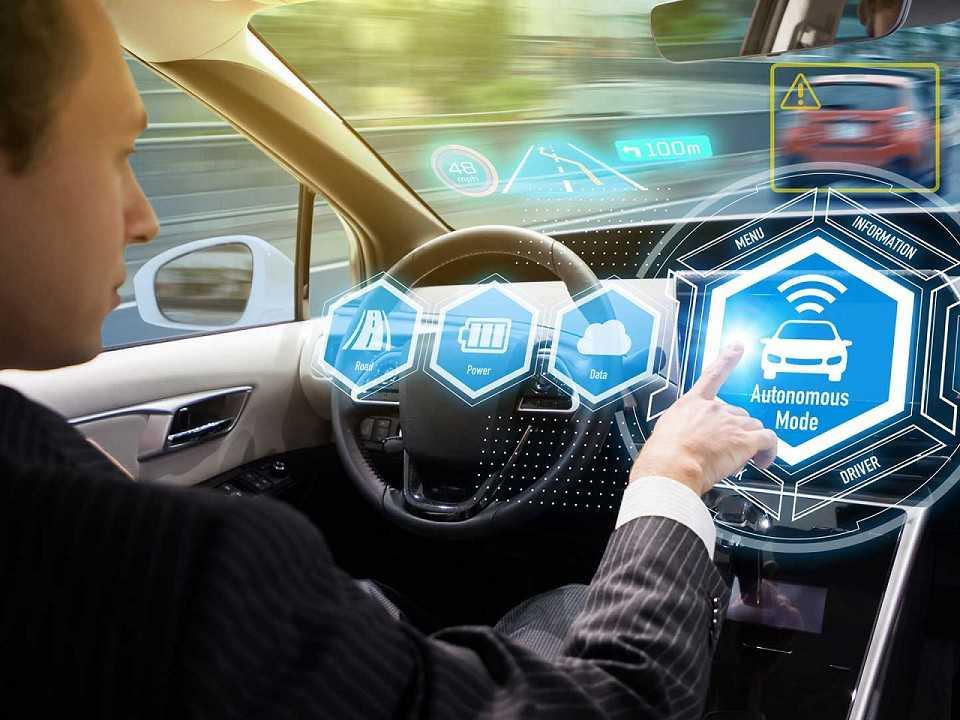 O carro elétrico e autônomo causa arrepios nos motoristas tradicionais, mas é algo irreversível