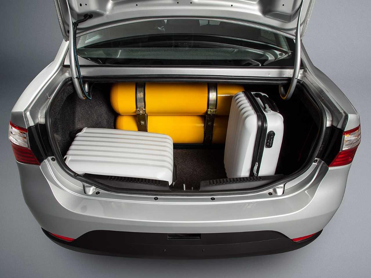 FiatGrand Siena 2019 - porta-malas