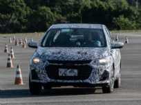 Novo sedan compartilha o projeto com modelo chinês, mas terá diferenças