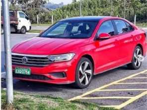 Novo VW Jetta 2.0 turbo já é flagrado no Brasil