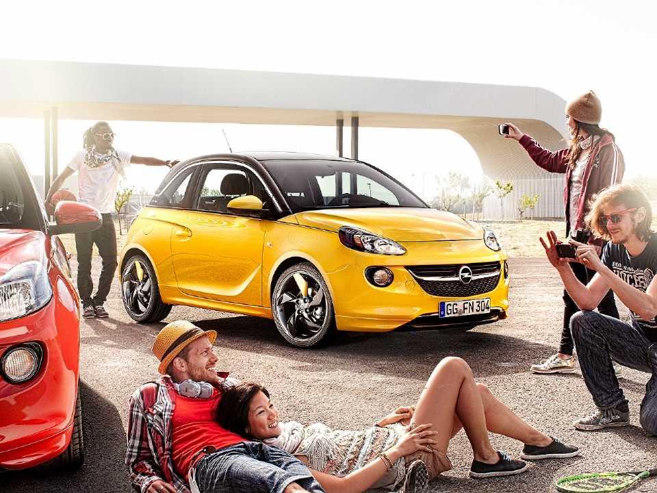 Jovens entre 18 e 24 sentem cada vez menos a necessidade de dirigir ou possuir um carro