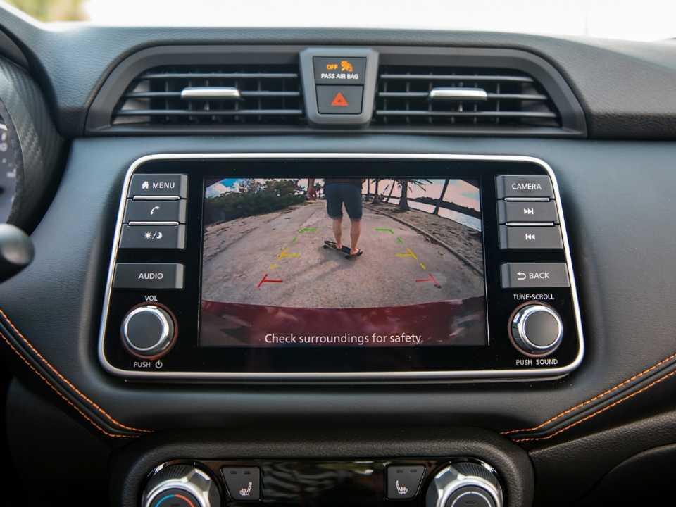 NissanVersa 2020 - console central