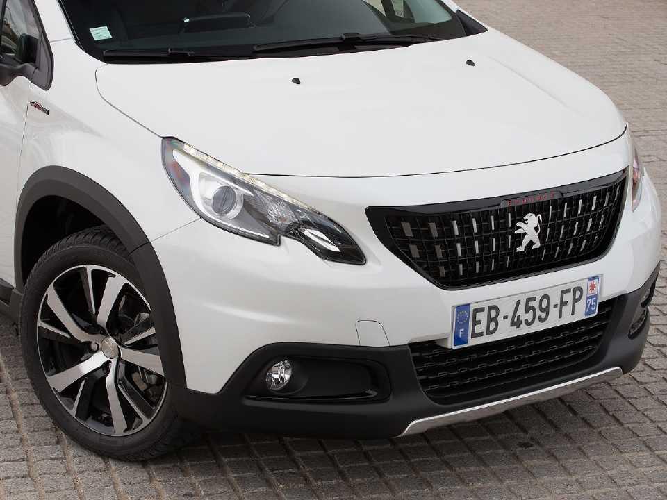Acima o atual Peugeot 2008 vendido na França