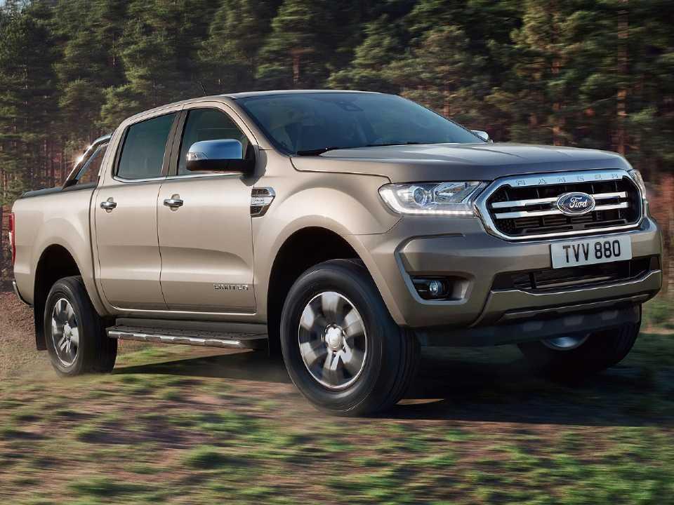 Acima a Ford Ranger comercializada na Europa já com o facelift