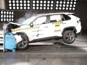 Novo no mercado e já mandando recado: Toyota RAV4 ganha 5 estrelas em crash-test