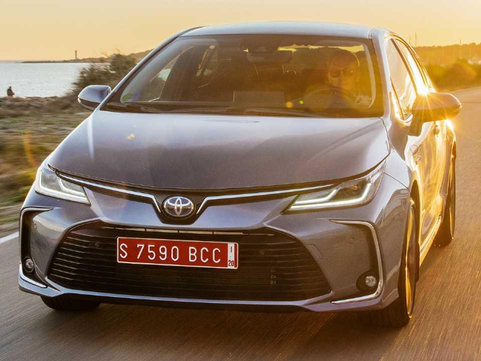 Acima o Toyota Corolla Sedan 2019 vendido na Europa