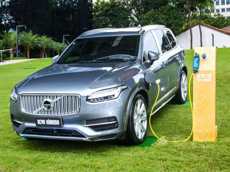 Volvo XC90 T8 híbrido, modelo é o SUV de maior porte dentro da marca sueca